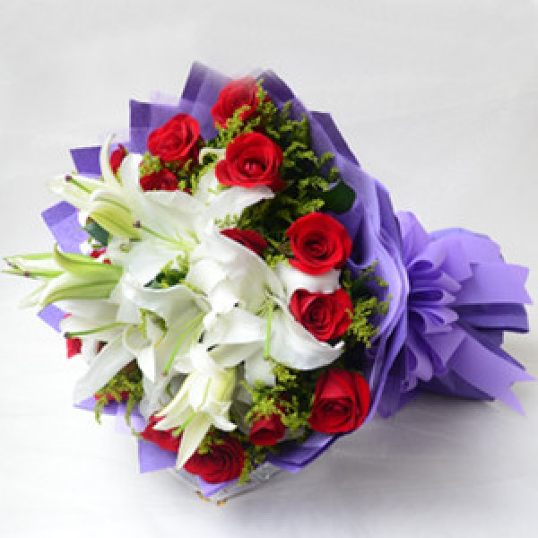 Send Love Extravagance Bouquet Hab Flower Gifts To Dubai With